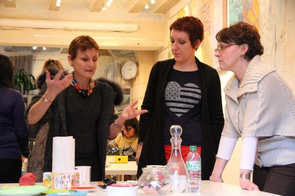 Geneviève Naudin en cours à l'Académie de la décoration